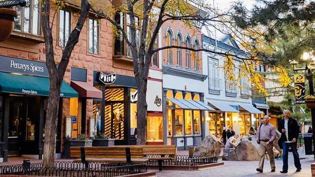 pearl street mall boulder colorado
